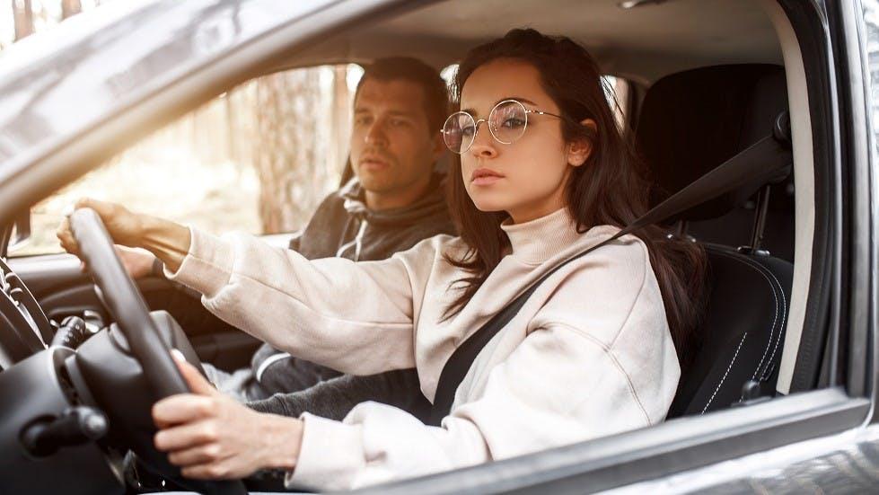 Conduire une voiture : les essentiels à connaître